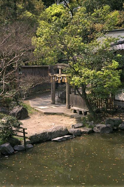Itsukushima (Lady Gion) Shrine